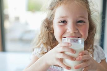 Пить или не пить: зачем человеку молоко