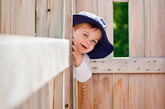 Почему дети так любят играть в прятки?