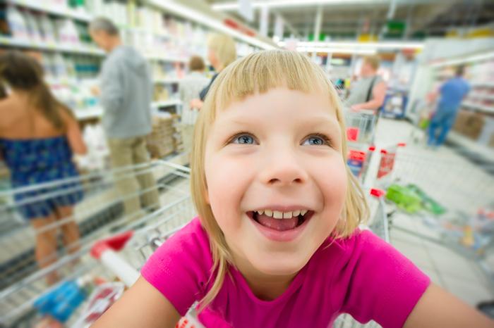 Как не вырастить из ребенка шопоголика