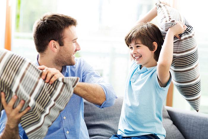 Маленький агрессор: почему мальчики любят драться?