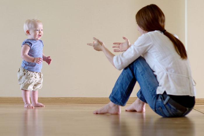 5 ways to get your baby to start walking