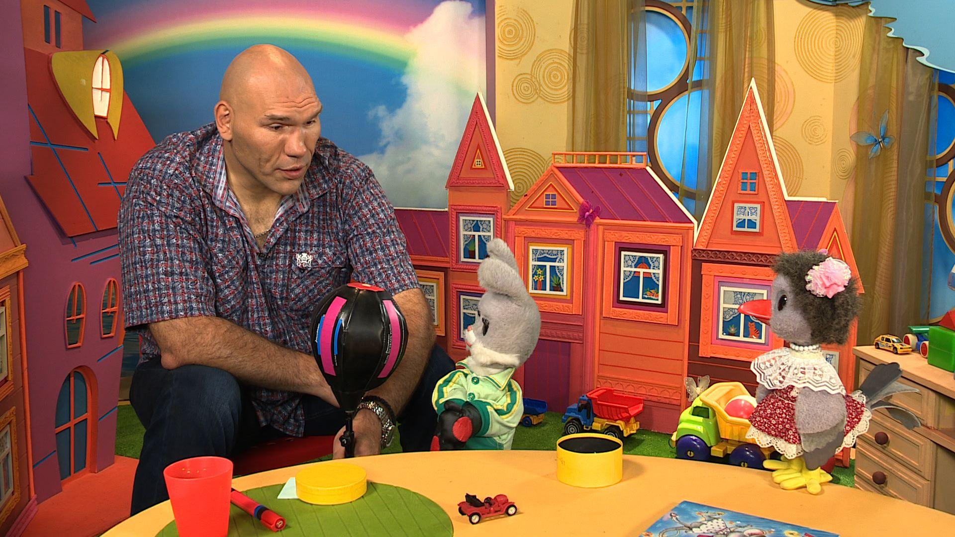 Шнуров шокировал общественность песней для шоу «С хорошим утром, дети!»