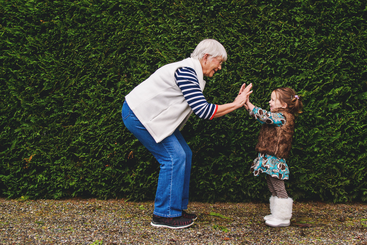 How to protect the daughter from influence of the grandmother and grandfather?