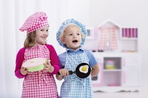 Кухонные гаджеты и первая посуда