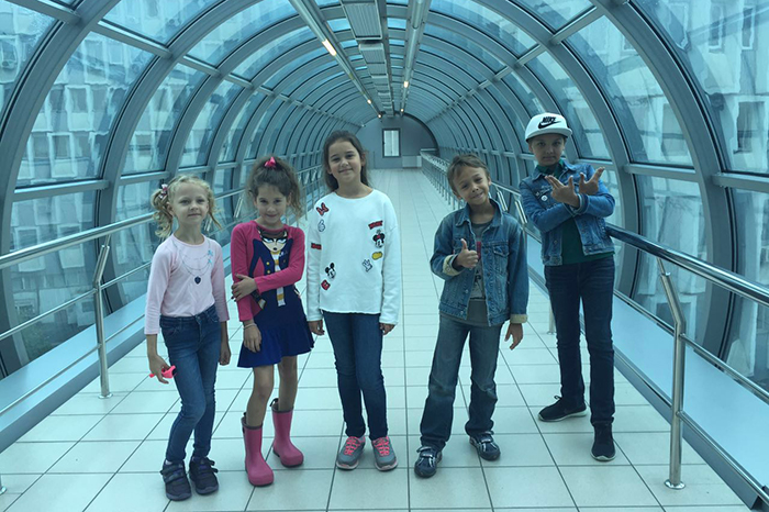 «Непоседы» заговорили в московском метро