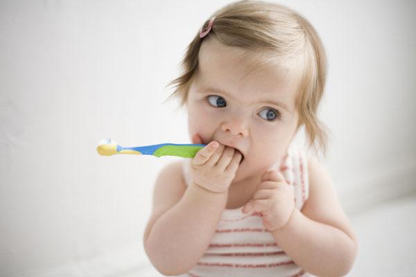 Как уберечь молочные зубы от кариеса?