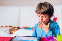 Гаджеты и детское зрение: 6 советов офтальмолога