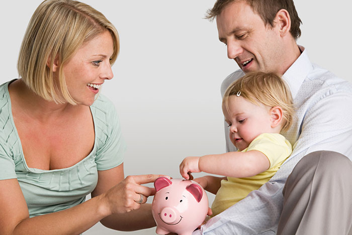 How not to go broke on the baby: 9 rules of saving