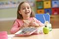 Чем кормить школьника для лучшей успеваемости