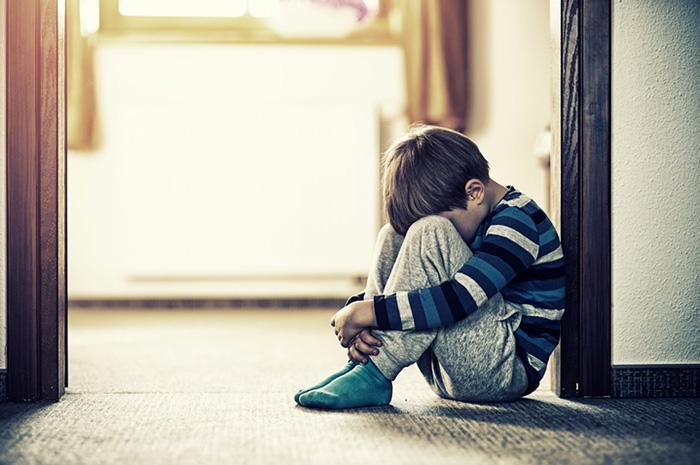 Как приучить ребенка оставаться дома одного?
