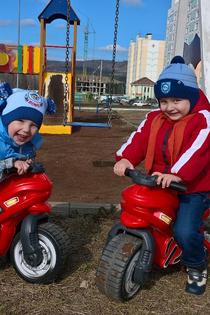 Лучшие друзья,на своих верных мотоциклах!