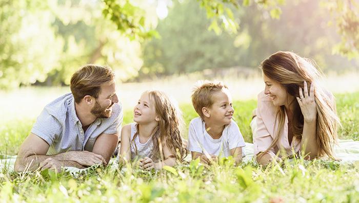 Можно ли дружить семьями после развода?