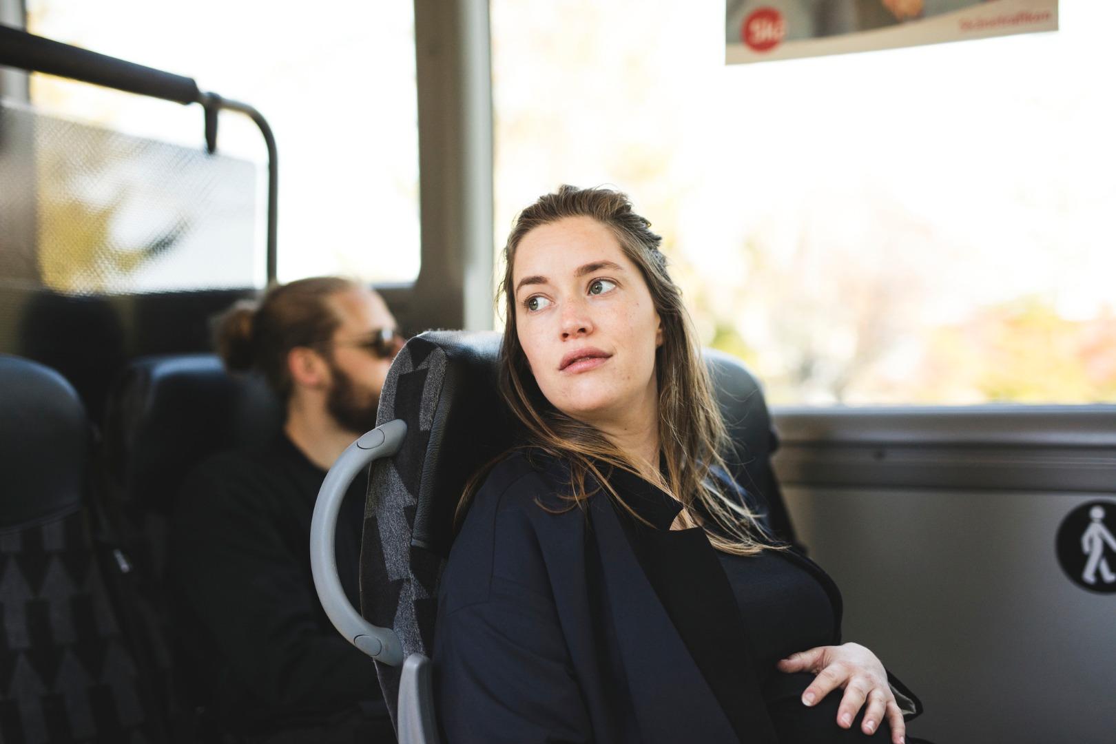 Как беременной получить место в транспорте?