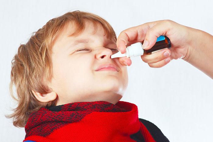 Как лечить насморк после года