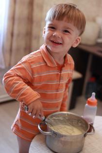 Ярославчик печет пирог!