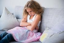 Почему ребенок завидует и как ему помочь?