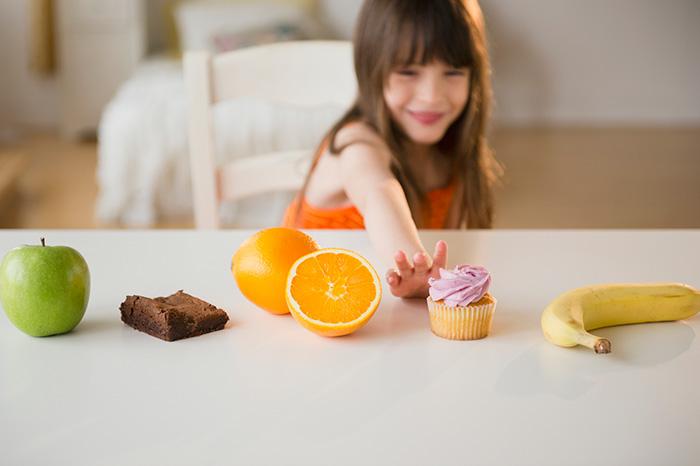 25 советов, как отучить ребенка от сладкого