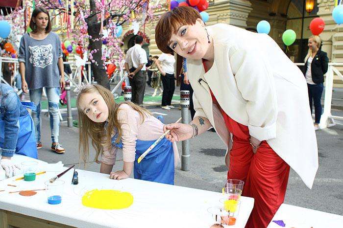 En GUM celebró una gran fiesta infantil.