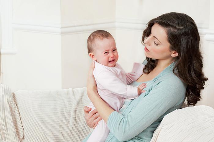 Помощь при обострении колик у малыша
