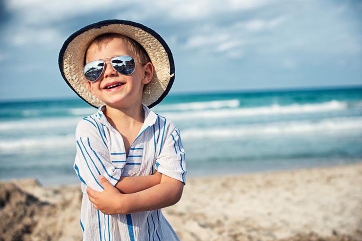 Как выбрать солнечные очки для малыша?