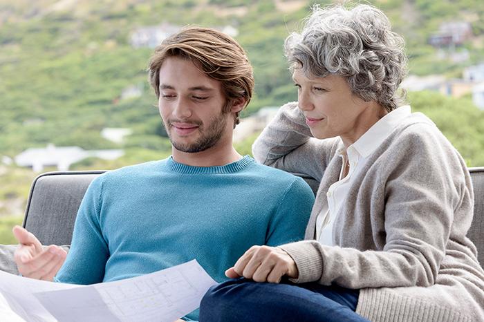 Мама и сынок: какую роль сыграла свекровь в жизни вашего мужа?