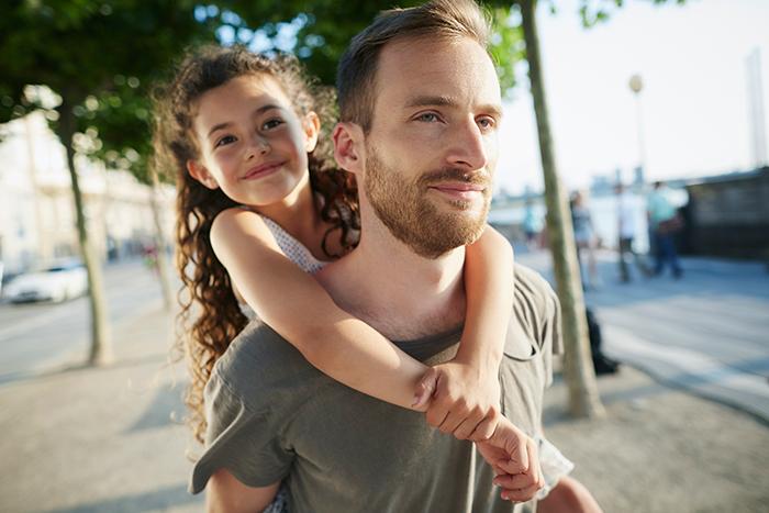 4 вещи, которым дочь научит только папа