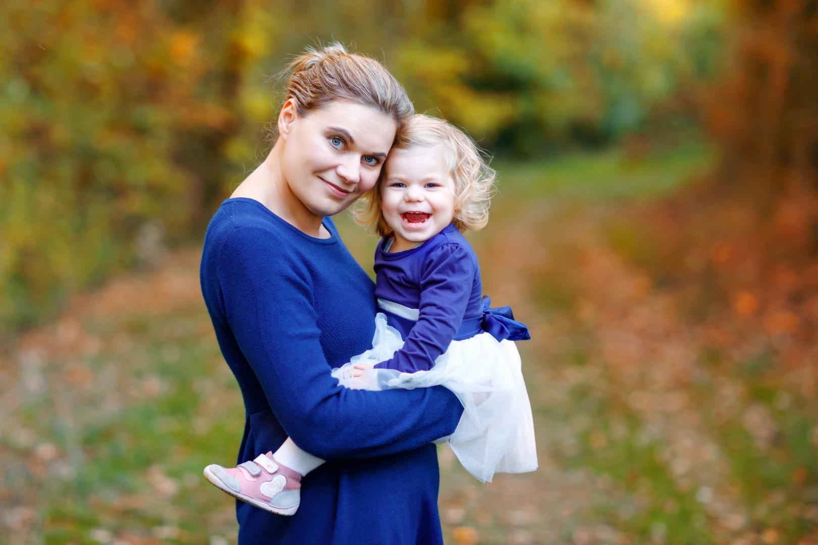 Можно ли беременной носить на руках ребенка?