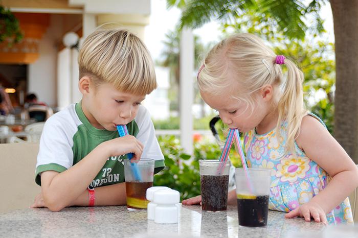 Дети и газировка