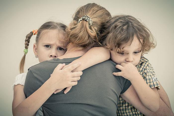 """Papá ya no vive con nosotros: cómo construir la vida de un niño """"divorciado"""""""