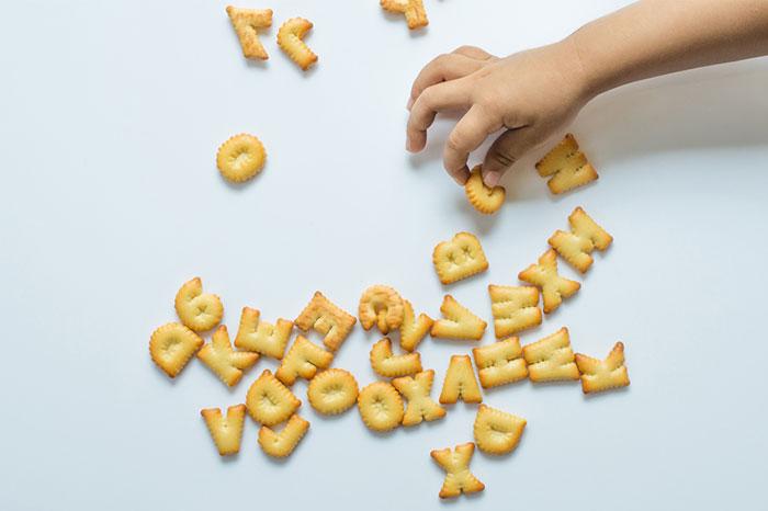 Учим ребенка алфавиту: весело, вкусно, необычно