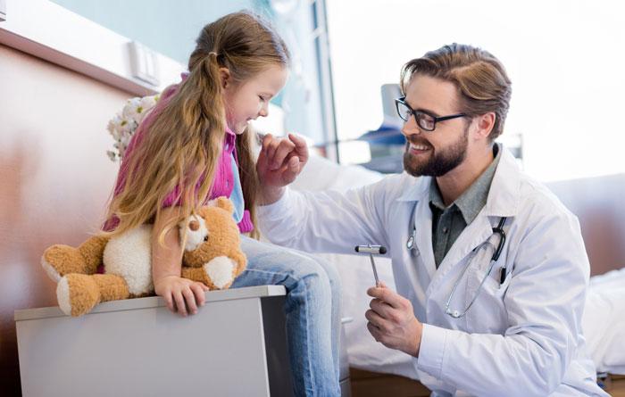 «Зачем неврологу нужен молоточек?»
