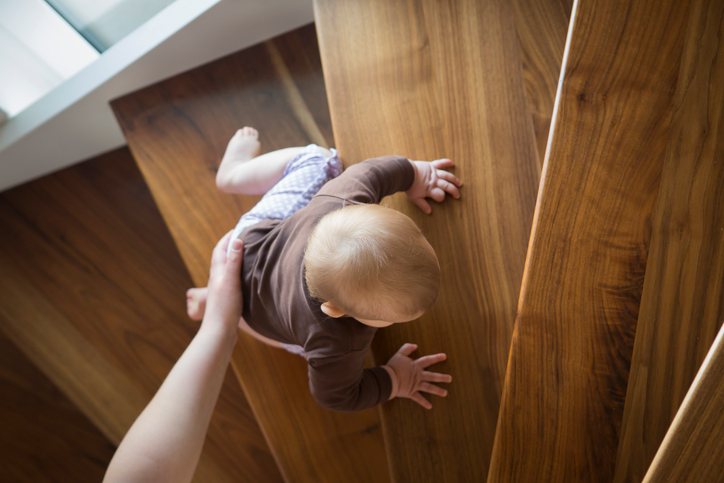 8 strange habits in babies up to a year