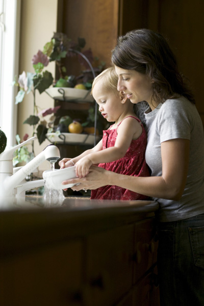 How to combine household chores and activities with the child