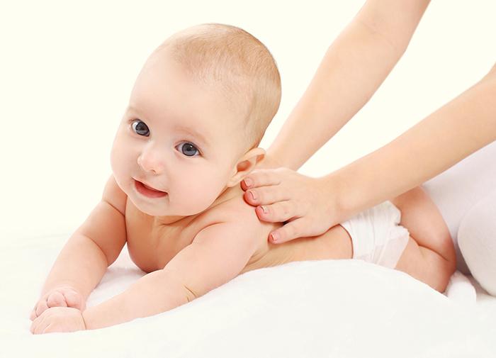 Ручная работа: 5 приемов массажа для грудничка