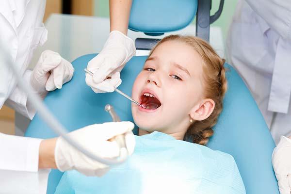 Лечение детских зубов: без шума ипыли