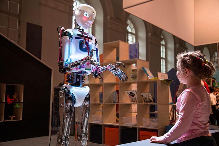 Гости из будущего: большой обзор самых необычных игрушек нашего времени
