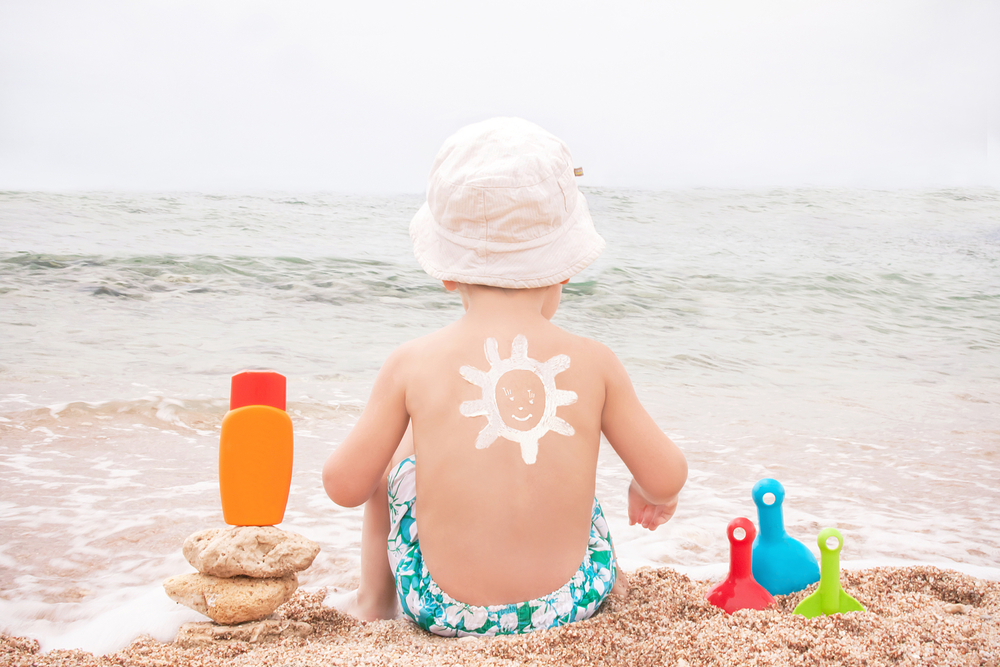 Doctors advise not to use sunscreen spray for children.