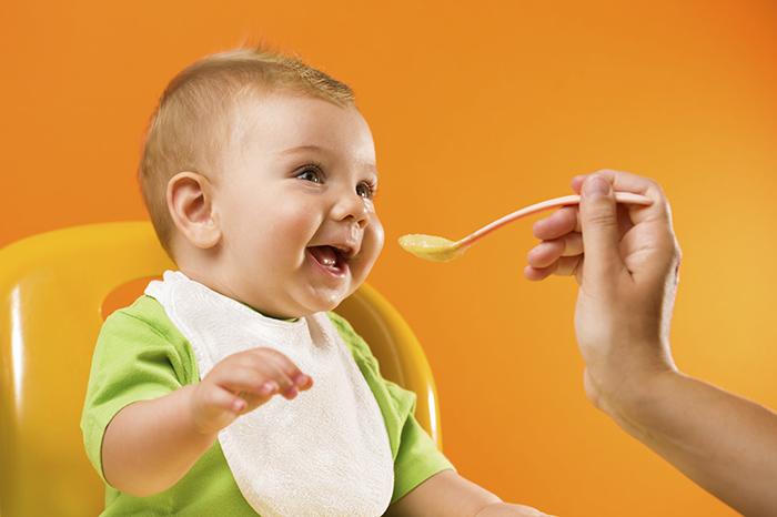 Первое блюдо: знакомим малыша с супом