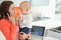 Работа на дому в декрете: идеи для мам