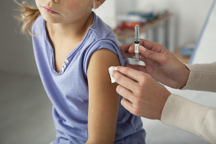 По особым показаниям: кому и зачем нужны дополнительные прививки