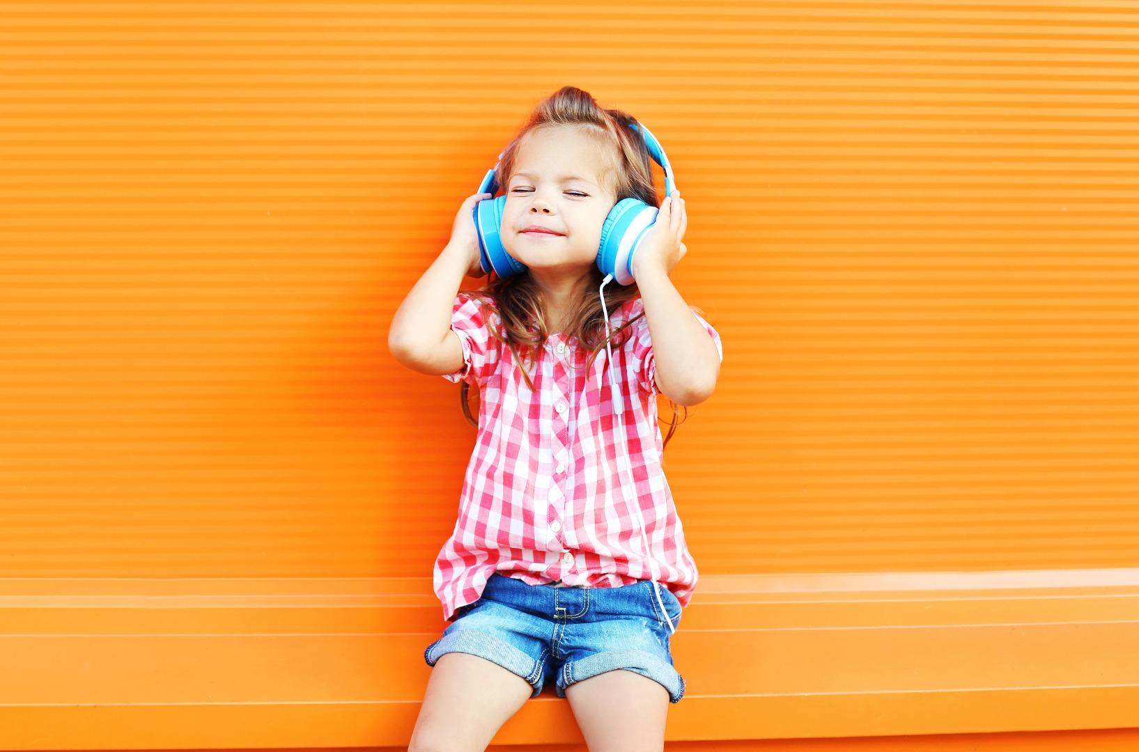 Аудиокниги для детей: 6 плюсов и 6 минусов