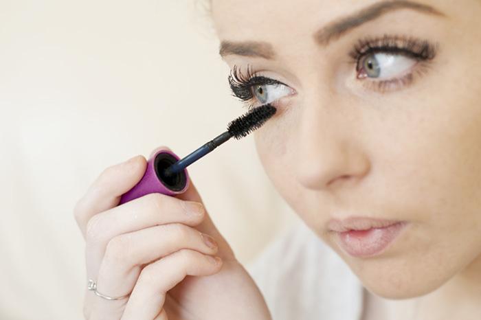 Работа над ошибками: делаем макияж правильно