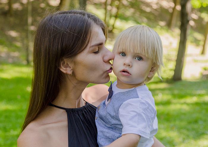 «Мой маленький сын боится чужих людей»
