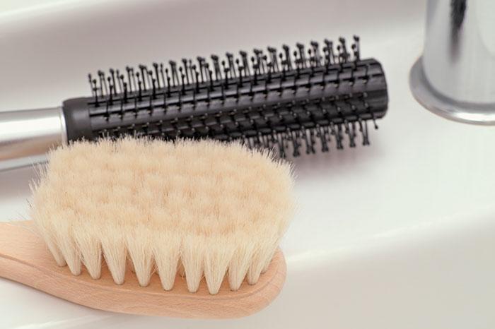Расческа из натуральной щетины для кудрявых волос