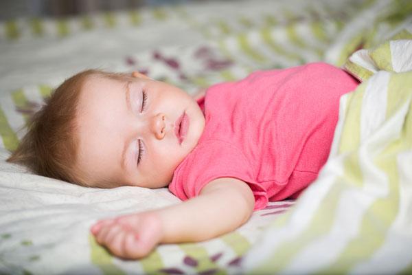 Первая подушка малыша