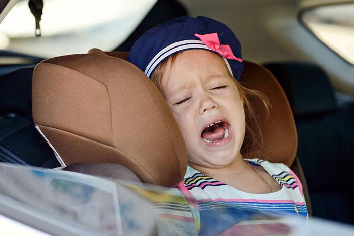 Несносный пассажир: как вести себя с ребенком в машине