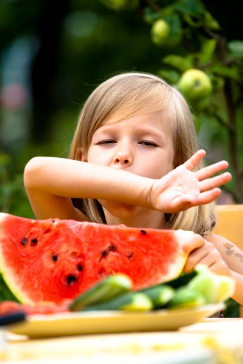 Choosing watermelon and melon