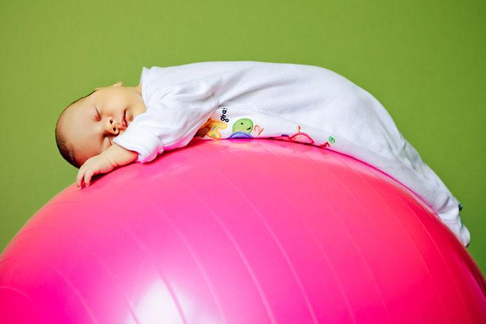 Развивающая гимнастика: комплекс упражнений для грудничка