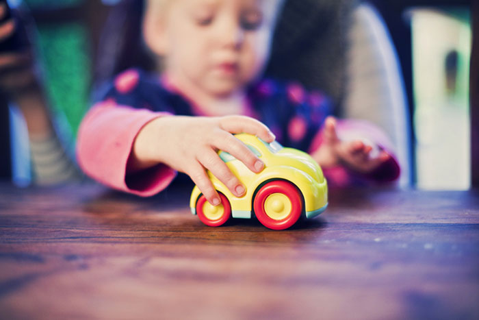 Почему дети так любят машинки