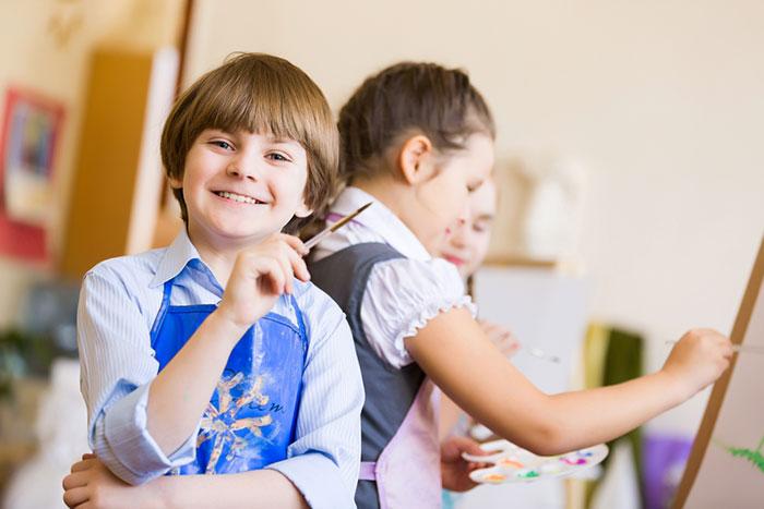 Внешкольные занятия: какие и зачем они нужны ребенку и вам